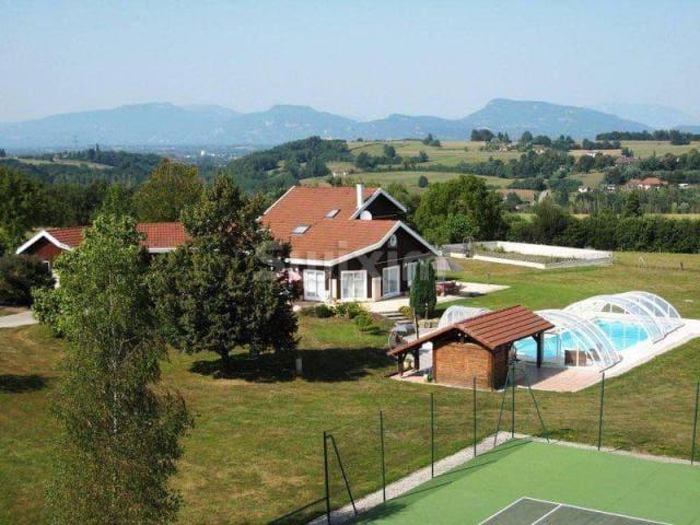 Maison Familiale Cocooning Tennis & Piscine - Les Abrets - Hus