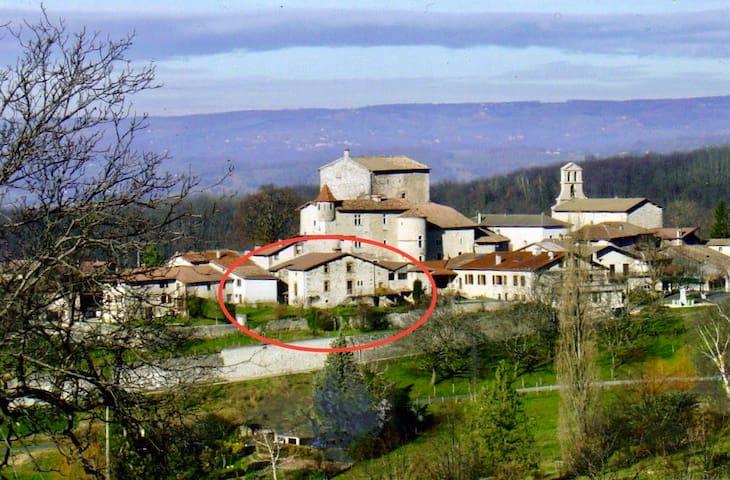 Gîte de caractère dans un petit village médiéval - Saint-André-en-Royans - Natuur/eco-lodge