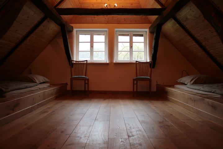 Liebevoll restaurierte Wohnung auf dem Voglerhof - Kirchbrak - Wohnung