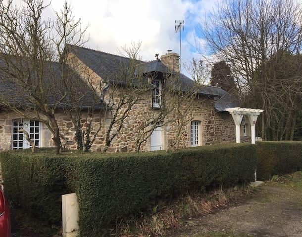 maison en pierre entre mer et campagne - Saint-Martin-d'Audouville - Huis