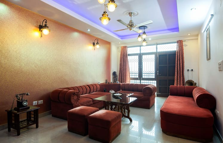 Well ventilated,sunny,green facing - Faridabad - Appartement