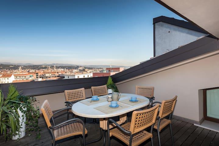 Panorama Apartment -with  views !! - Verona - Apartemen