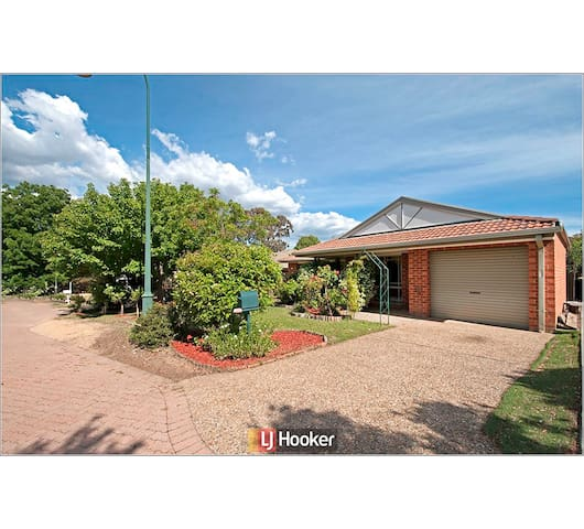 3 Bedroom Entire House in Canberra - Quiet Area - Amaroo - Haus
