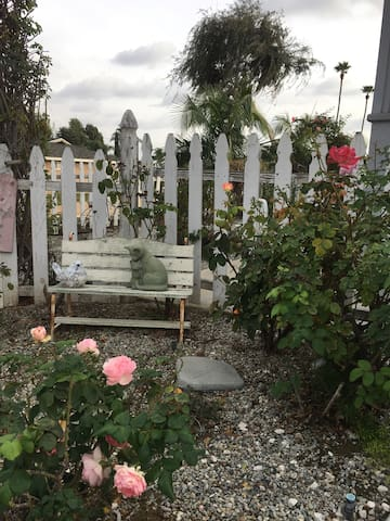 Cathy's Cottage- Tranquility near Disney and LA. - La Habra - Hus