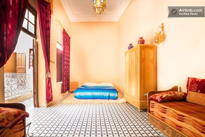 Chic room for rent in a riad! - Fes - Dům