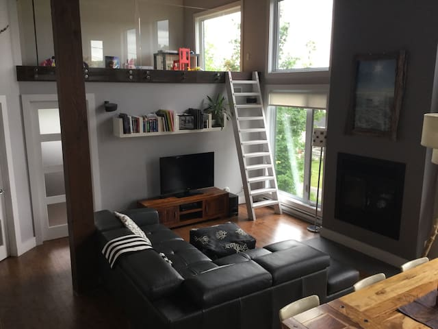 Unique and cozy home near Quebec City - Neuville - Huis
