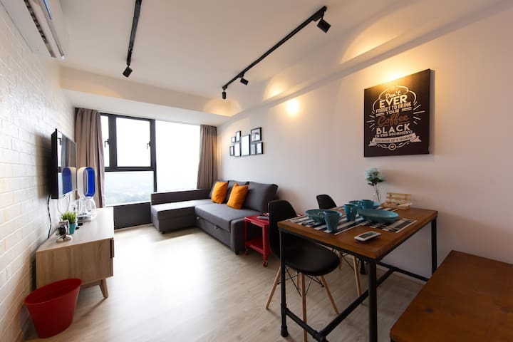 Brand New Tastefully Furnished Studio In Town! - Petaling Jaya - Apartament