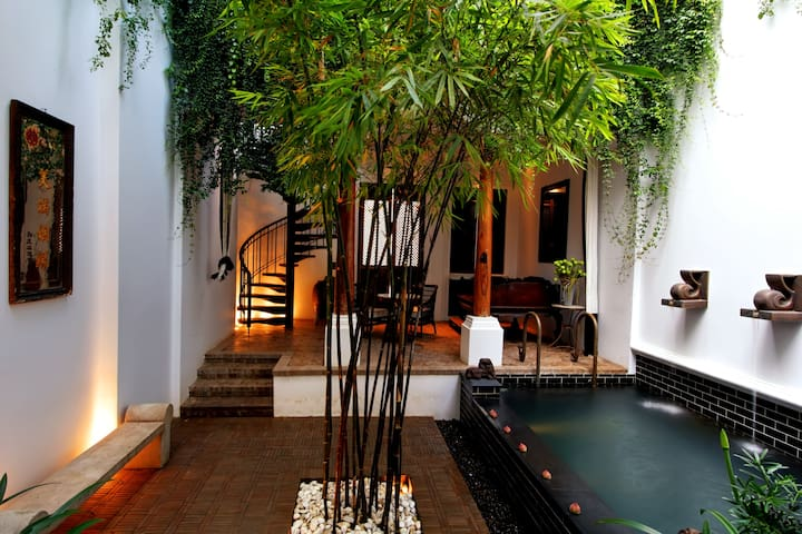 Luxury Pool Villa CourtYard 130 sqm - Bangkok - Huvila