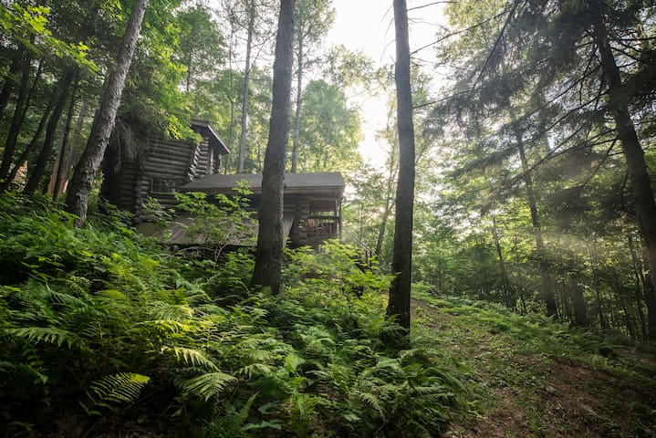 Off the grid cabin in the Green Mountains - Bolton - Hytte