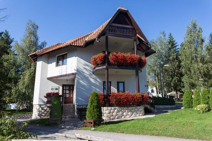 Zlatiborski biser Crveni apartman - Zlatibor