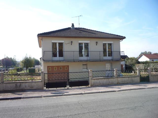 maison proche de la foret de  tronçais - Meaulne