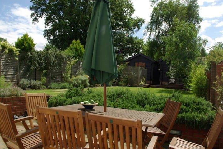 Holmlea, suffolk cottage - Suffolk