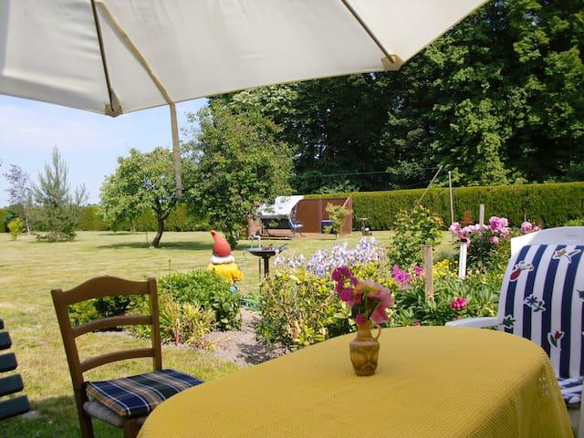 Ferienwohnung im idyllischen Dörfchen Metschow - Borrentin - Appartement
