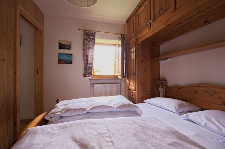 "Dolomites- ""Bachlaufen Haus"" apt 5 - Sesto - Departamento"