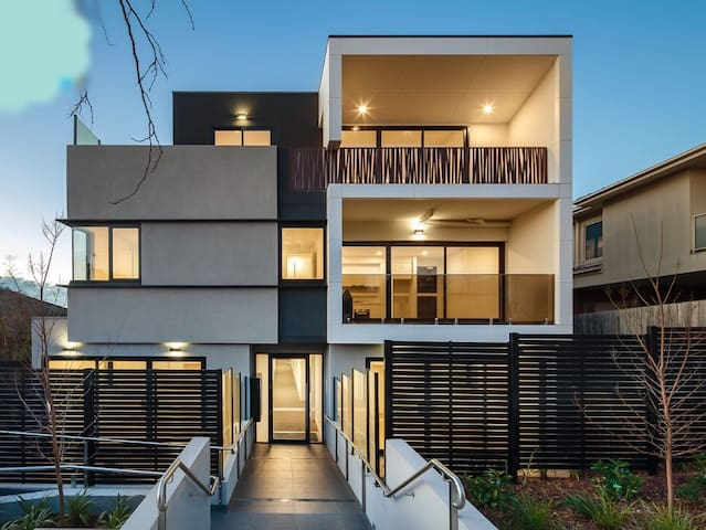 A COMFORTABLE CITY VIBE - Caulfield North - Daire