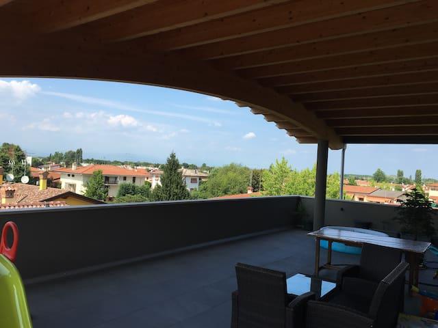 Splendido moderno attico con 70mq di terrazza - Fiume Veneto - Appartement