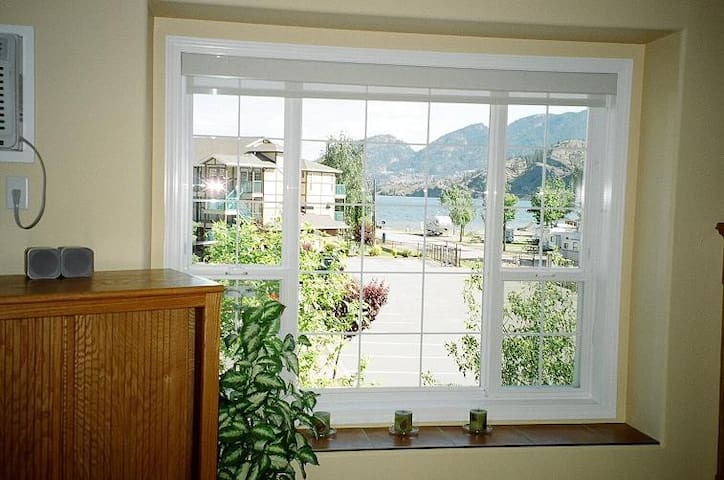 2 Bdrm Deluxe Condo on Skaha Lake near Penticton - Okanagan Falls - 公寓