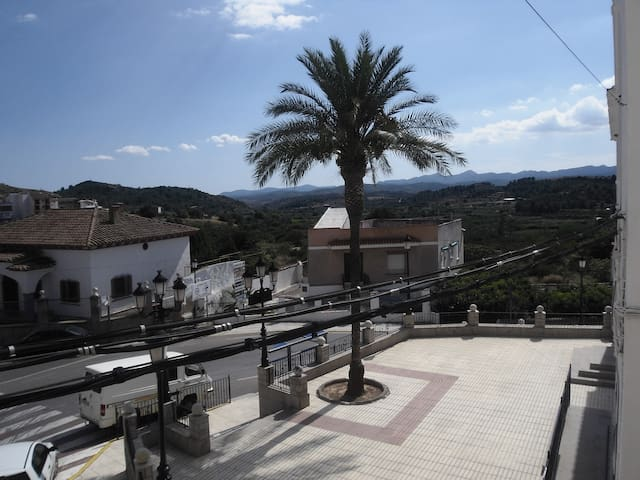 Private rural apartment with amazing views - Castellnovo - Lägenhet
