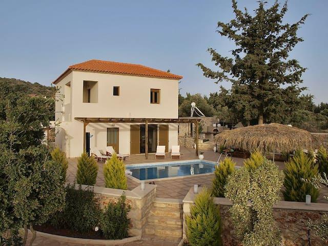 Villa Stavros,3bd villa with private pool - Xirosterni - Villa