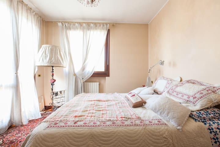 a cosy room in treviso - Treviso - Casa