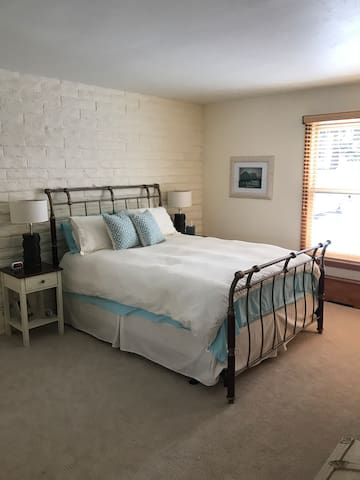 Comfy bedroom, private entrance, EagleVail - Avon - Daire
