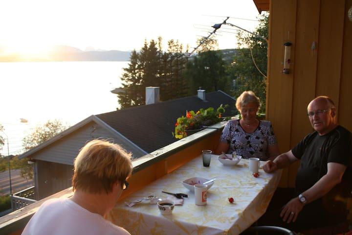 Trollvik, Finnsnes - Finnsnes - Bed & Breakfast