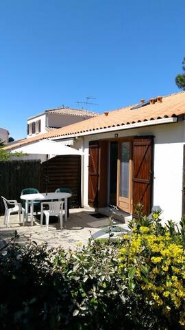 Maison ensoleillée dans un quartier calme - Saint-Jean-de-Monts - Casa