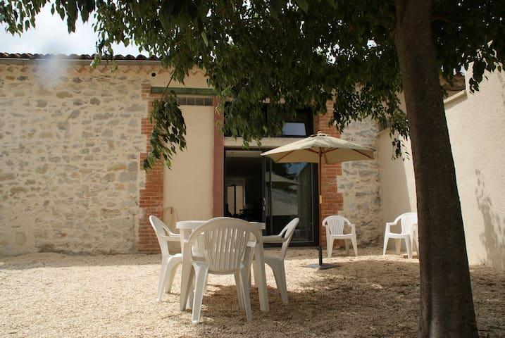Le Gîte du Vieux Mûrier (côté EST) - Saint-Jean-de-Serres - Huis