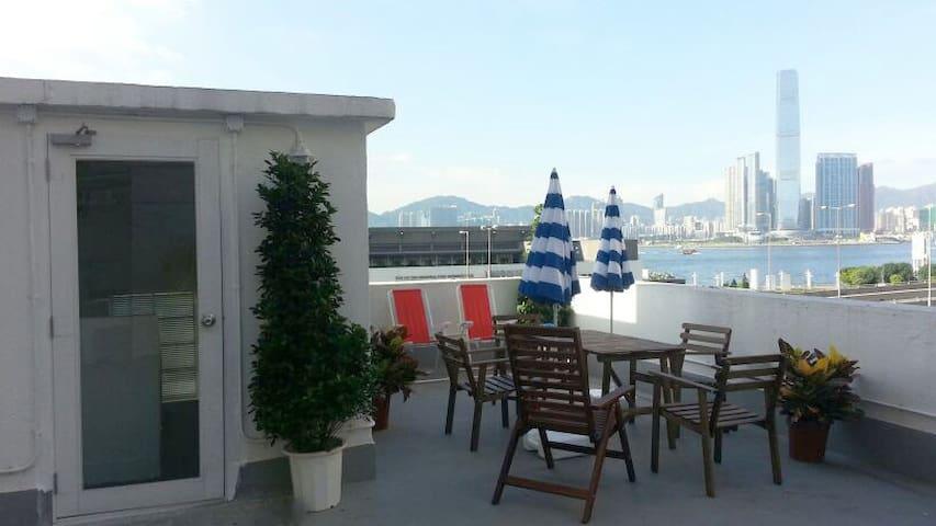 Single budget room with amazing shared rooftop - Hong Kong - Kondominium