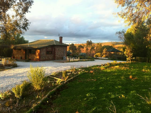 Barossa Glen - Rosedale, McCallum Road - Bed & Breakfast