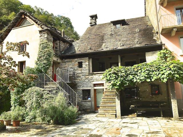 Rustico im Maggiatal nah von Ascona und Locarno - Maggia - Maison