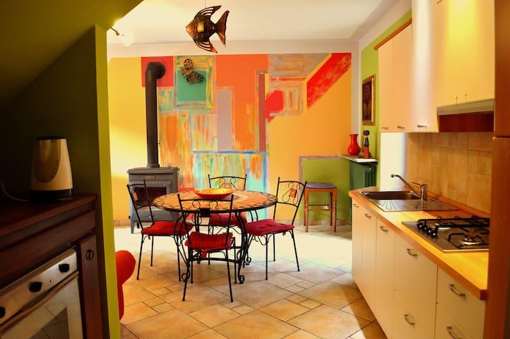 Agriturismo La Casa de Colores - Moretta - Huis
