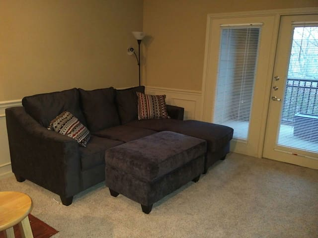 Luxury Apartment in Prime Location Near Airport - Kansas City - Appartement
