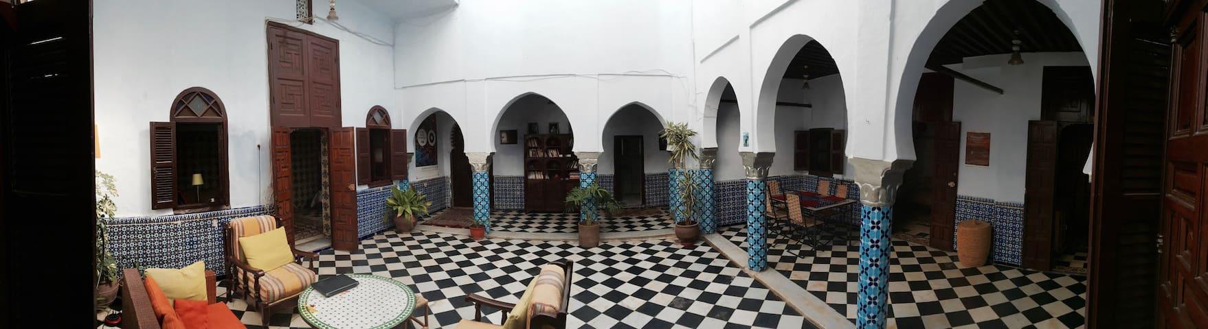 Traditional Riad in the Medina - Rabat - Hus
