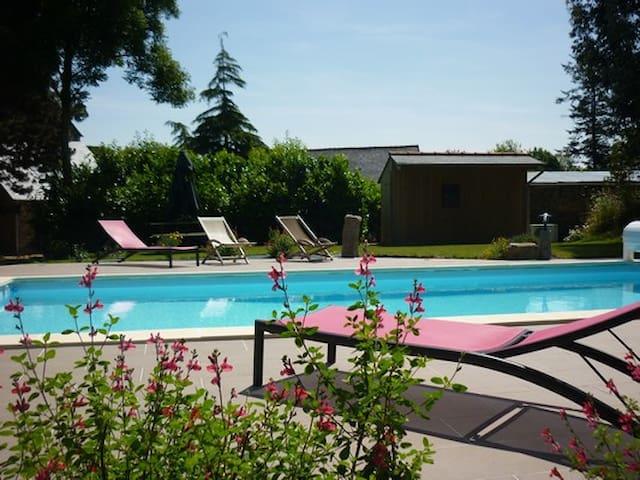 Gites avec piscine et Jacuzzi - Bretagne - Huis