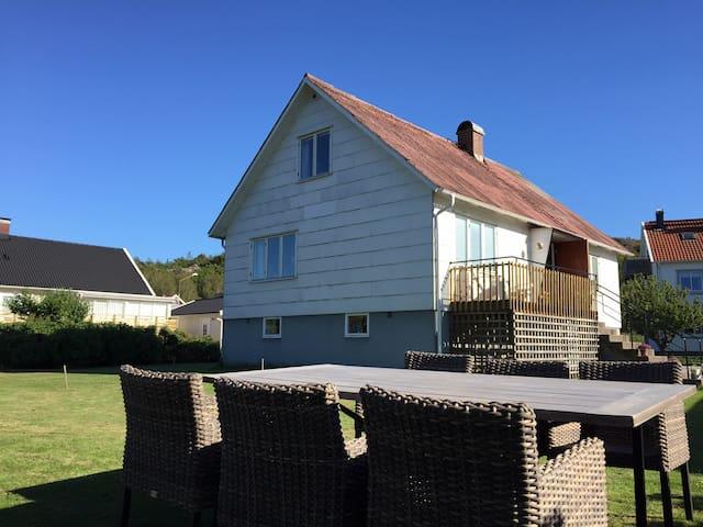 Nice house in Skärhamn - Skärhamn - Ev