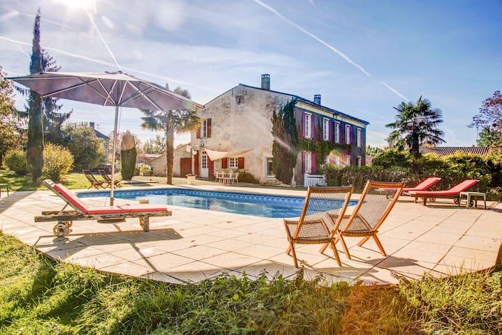 La maison de vacances - Saint-Dizant-du-Gua - Villa