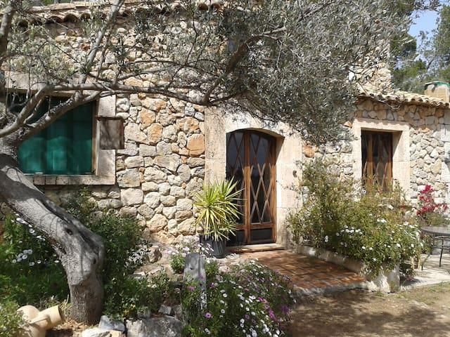 Casa para amantes de la naturaleza - Es Capdellà - Ev