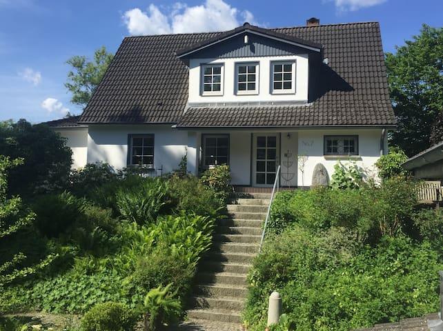 Idyllisches Ferienhaus in der Kurstadt Mölln! - Mölln - Maison