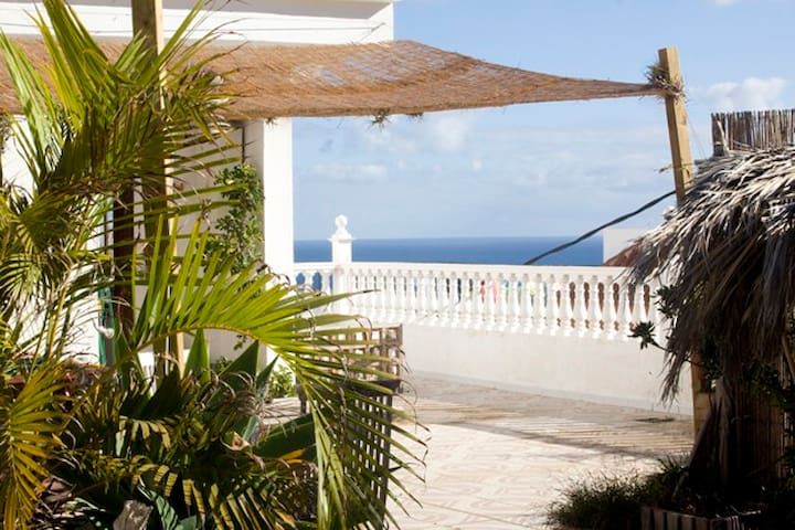 ROOM IN LOVELY OLD HOUSE WITH SEAVIEW - Los Realejos - Lomamökki