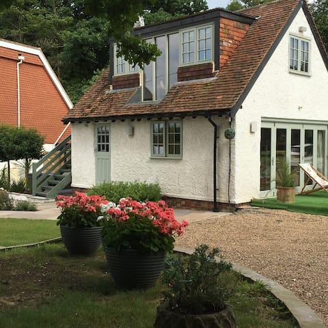 Modern Cottage/Annexe in Kentish Orchard Setting - Matfield - Haus