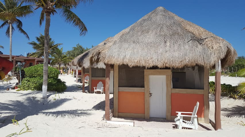 Cabin Rustic in an awzome beach for 28 pax - Isla Mujeres - Hytte