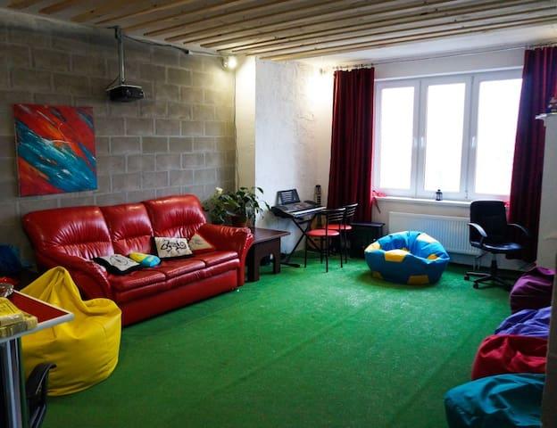 Room with shower in Penthouse loft near the metro - Kiev - Bed & Breakfast