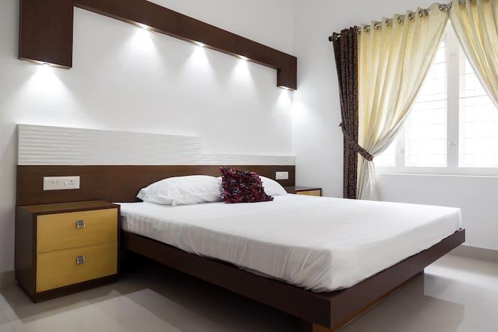 Erackath Luxury Apartment behind Oberon Mall - Kochi - Leilighet