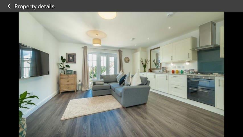 Spacious double bedroom close to Harpenden Station - Harpenden - Apartamento