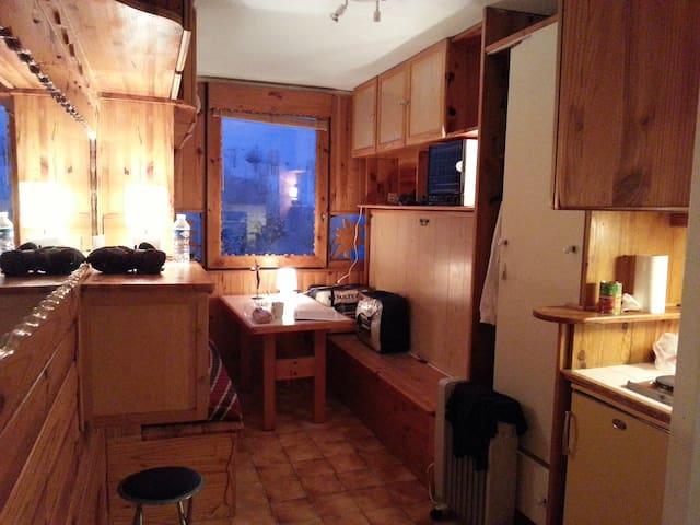 Studio indépendant à la montagne été et hiver - Villarembert - Leilighet