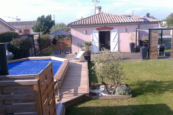 Maison de 100m2 avec piscine (chauffé) - Labastidette