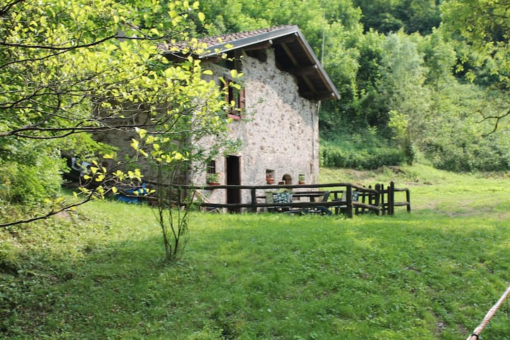 Idyllic river chalet near Idro - Lavenone - Alpstuga