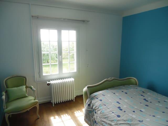 chambre  2 personnes havrede paix - Lesmont - Pousada