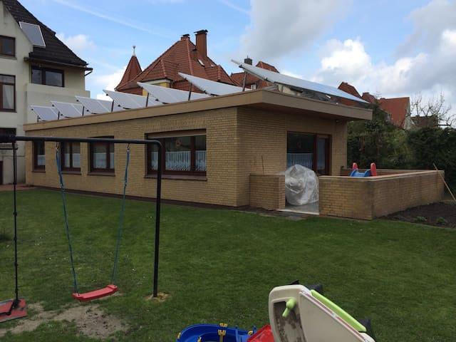 Kinderfreundliches Ferienhaus - Wilhelmshaven - Casa